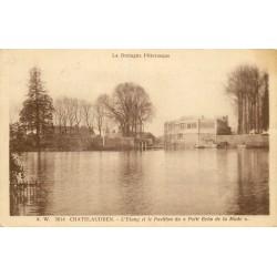 """22 CHATELAUDREN. Etang et Pavillon du """" Petit Echo de la Mode """" 1933"""