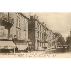 2 x Cpa 24 BERGERAC. La Poste rue du Marché et Palais de Justice 1924