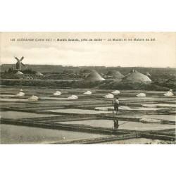 44 GUERANDE. Le Moulin et les Mulons de Sel dans les Marais Salants