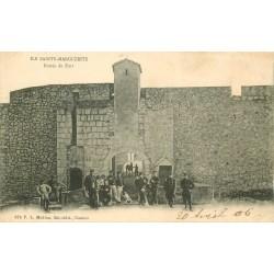 2 x cpa 06 ILE SAINTE-MARGUERITE. Militaires au Fort 1906 et le Port