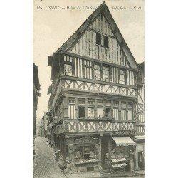carte postale ancienne 14 LISIEUX. Boulangerie Crémerie Rue de la Paix 1913