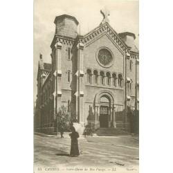 06 CANNES. Femme avec ombrelle devant Notre-Dame du Bon Voyage 1918