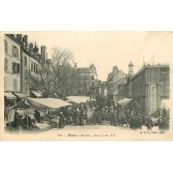 41 BLOIS. Le Marché Place Louis XII