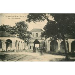 17 SAINT-MARTIN-DE-RE. Poussette à la Porte Thoiras