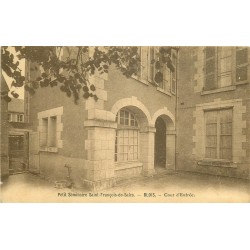 41 BLOIS 2 x cpa Petit séminaire Saint-François-de-Sale. Cour et Chapelle 1936