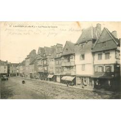 2 x cpa 22 LANNION. Place du Centre 1919 et Quai Aiguillon 1933