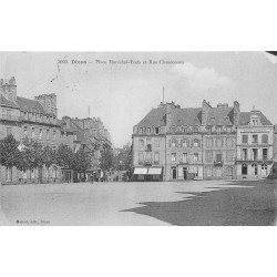 22 DINAN. Place Maréchal Foch rue Clémenceau 1925 et Porte du Guichet