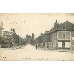 2 x cpa 18 BOURGES. Coiffeur boulevard Strasbourg 1916 et Passeur sur l'Auron