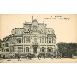 2 x cpa 27 LOUVIERS. Caisse Epargne Place Thorel et Hôtel de ville