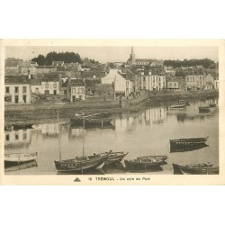 29 TREBOUL. Barques de Pêcheurs dans le Port 1937