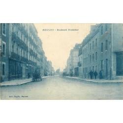 35 RENNES. Attelage devant un Café boulevard Beaumont