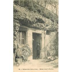 2 x cpa 37 ROCHECORBON. Maison dans le Rocher 1903 et habitations Troglodytes 1927