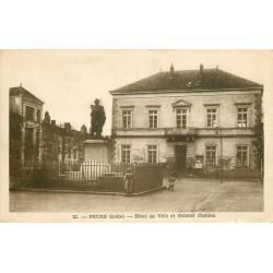 42 FEURS. Statue Colonel Combes devant Hôtel de Ville