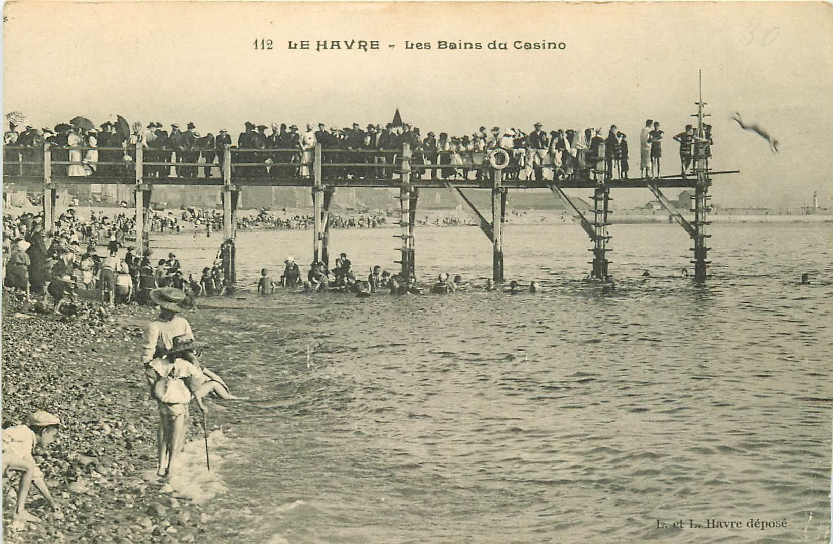 76 LE HAVRE. Plongeurs et nageurs aux Bains du Casino 1907