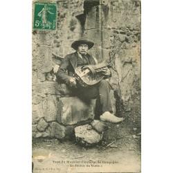 43 LE PUY EN VELAY. Le Joueur de Vielle musicien d'Auberge 1911