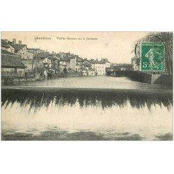 carte postale ancienne 15 AURILLAC. Maisons en bordure de la Jordanne 1913