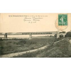 41 LA CHAUSSEE-SAINT-VICTOR. Train traversant le Pont sur la Loire 1923