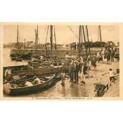 85 CROIX-DE-VIE. Arrivée des Sardiniers au Port