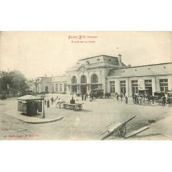 88 SAINT-DIE. Vespasiennes sur la Place de la Gare