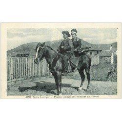 carte postale ancienne 15 AUVERGNE. Paysan et Paysanne revenant de la Foire sur Cheval
