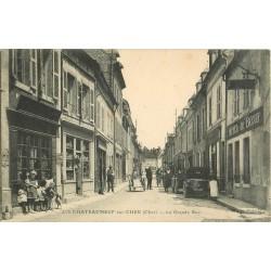 18 CHATEAUNEUF-SUR-CHER. Voitures anciennes devant Hôtel du Boeuf sur Grande Rue 1935
