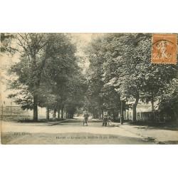 41 BLOIS. Cyclistes sur les Allées avenue de Médicis vers 1923