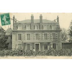 03 BROUT-VERNET. Femme sur le Perron du Château de Marmagne 1908