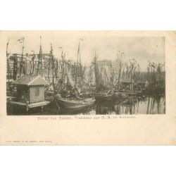 Amsterdam. Hulde van Nederl. Visschers aan H.M. De Koningin. NETHERLANDS