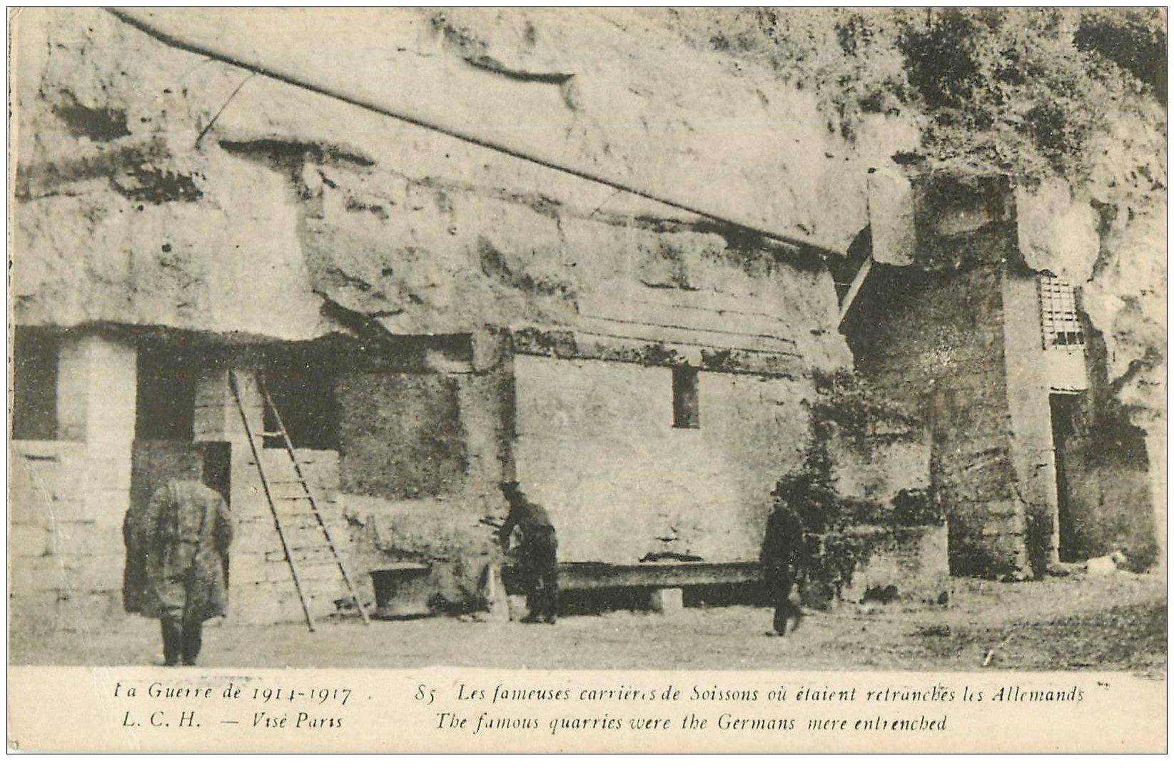 carte postale ancienne 02 SOISSONS. Les Carrières avec Soldats