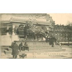 PARIS 10. Socle de la Statue Place de la République vers 1900