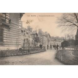 2 x Cpa 41 BLOIS. Caserne de Gendarmerie 1907 et Hôtel-Dieu 1915 défaut sur la première...