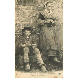 56 ENFANTS DU MORBIHAN. Coutumes, moeurs et costumes Bretons