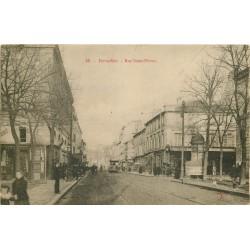 3 Cpa 78 VERSAILLES. Rue Saint-Pierre, Place Armes rue Chancellerie avenue Neveu et Petit Trianon
