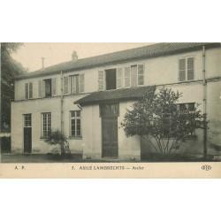 2 x Cpa 92 COURBEVOIE. ASILE LAMBRECHTS. Atelier et Château