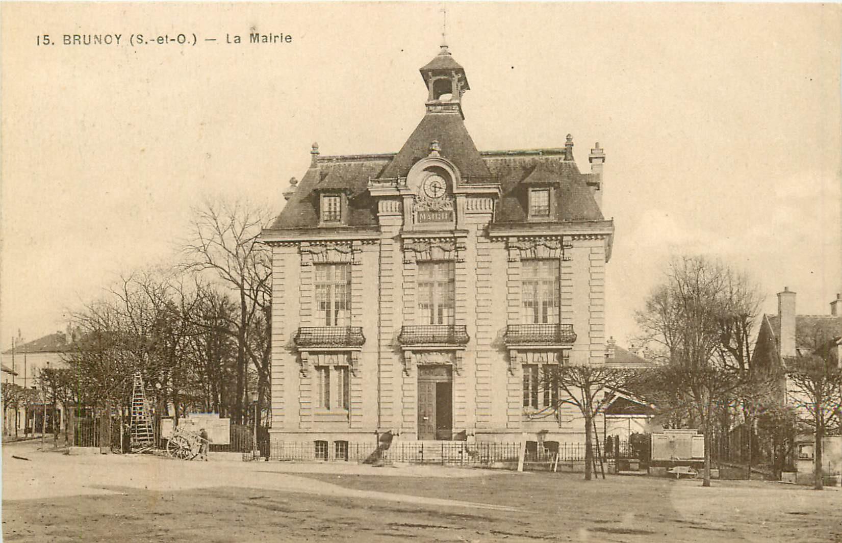 BRUNOY. La Mairie