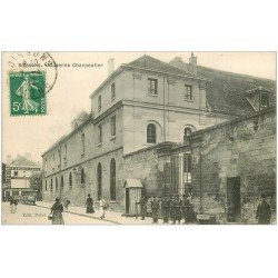 carte postale ancienne 02 SOISSONS. Militaires Caserne Charpentier 1912.