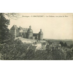 24 HAUTEFORT. Château et Parc