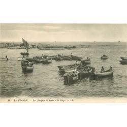 44 LE CROISIC. Barques de Pêche à la Plage
