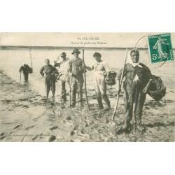 17 ILE-DE-RE. Retour de Pêche aux Huîtres 1909
