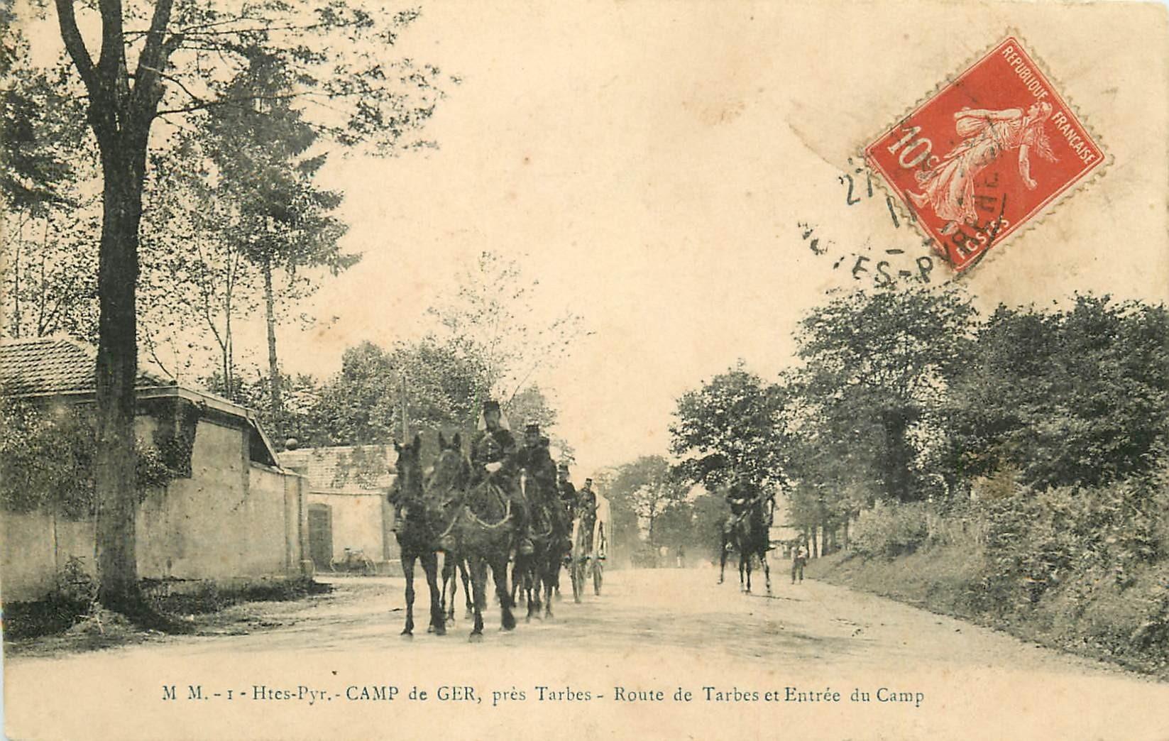 65 CAMP DE GER. Cavaliers militaires route de Tarbes à l'Entrée du Camp 1911