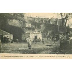 MILITAIRES SOLDATS GUERRE. Nouvron abris boches dans les Carrières 1914