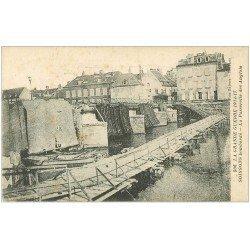 carte postale ancienne 02 SOISSONS. Passerelle des Anglais bombardé