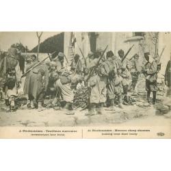 A Neufmontiers tirailleurs marocains inventoriant leur butin.
