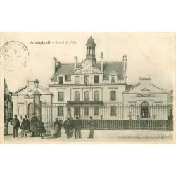 95 ARGENTEUIL. Animation devant l'Hôtel de Ville 1905