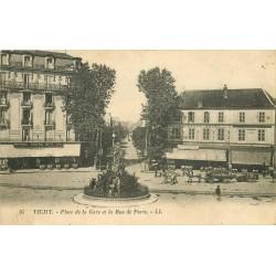 2 x Cpa 03 VICHY. Place de la Gare rue de Paris 1924 et Chapelle Nouvel Hôtel-Dieu 1912