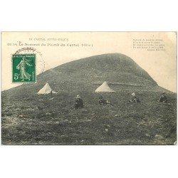 carte postale ancienne 15 SOMMET du PLOMB du Cantal 1911 avec Campeurs
