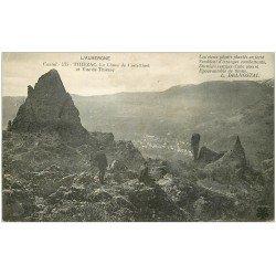 carte postale ancienne 15 THIEZAC. Personnages sur le Chaos de Casteltinet 1917