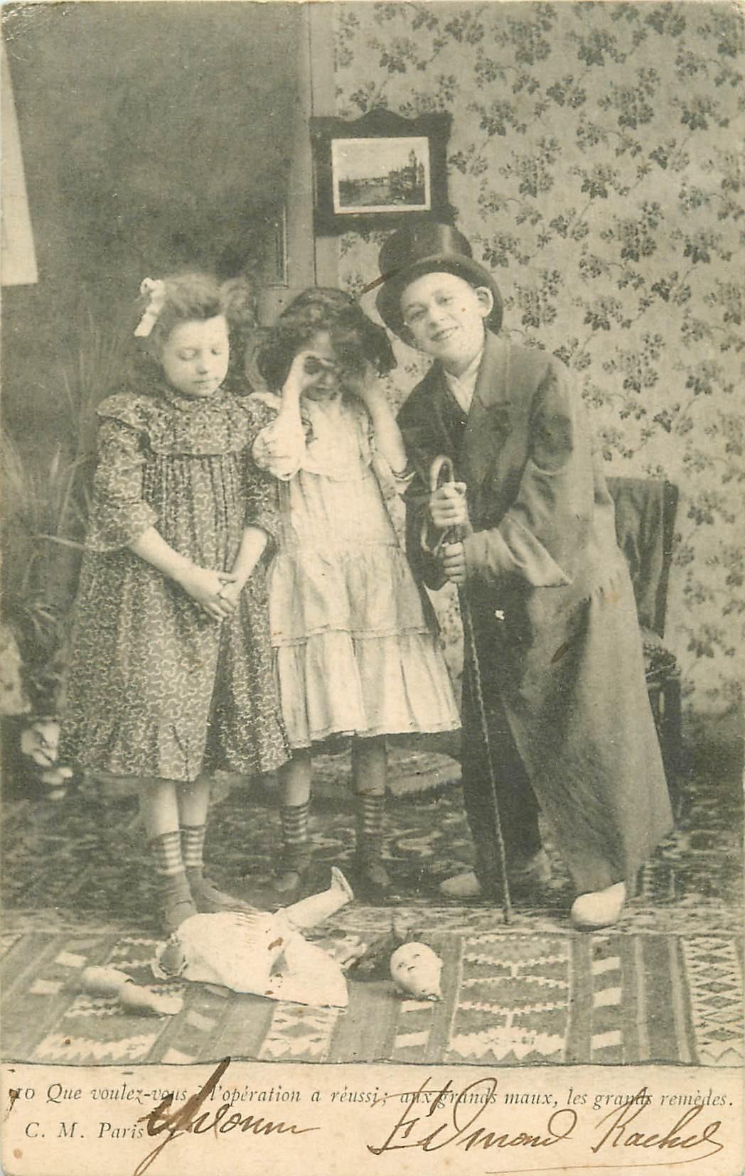 2 Cpa Enfants déguisés et poupée cassée 1904