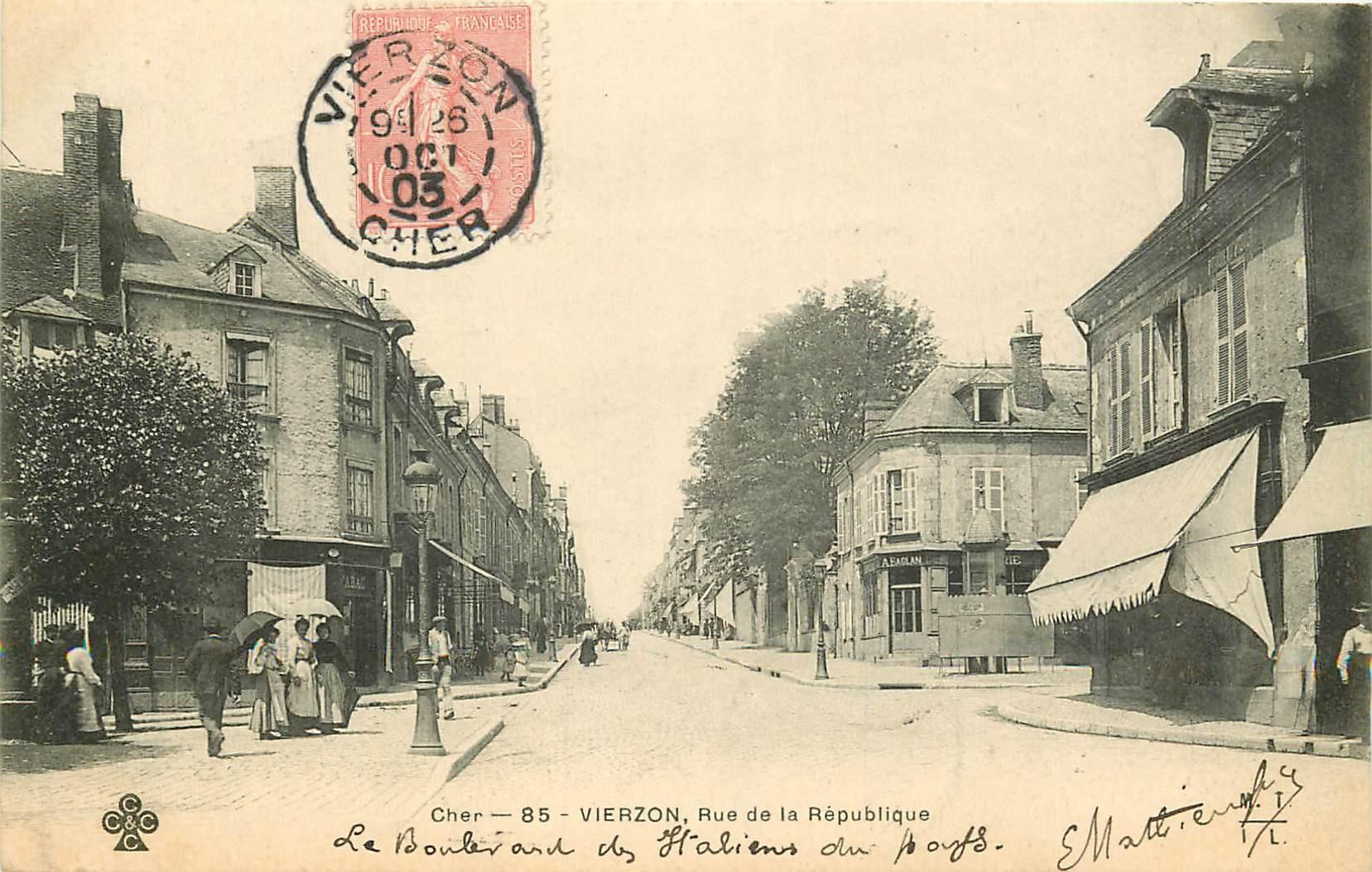 18 VIERZON. Rue de la République 1903 avec Tabac et vespasiennes