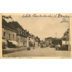 03 LE DONJON. Place de la République, Pâtisserie et Café Hôtel Perichon 1943